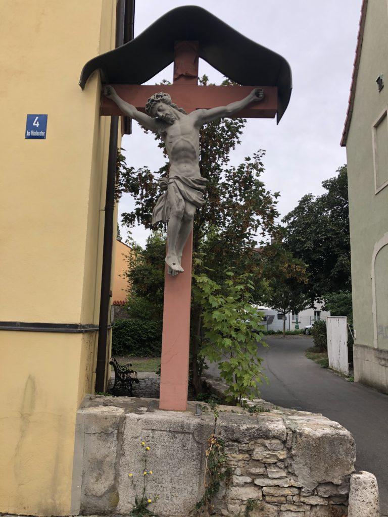 Kruzifix am Nikolaustor