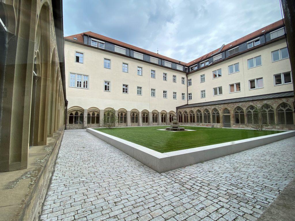 Franziskaner Kloster mit Garten