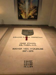 Grab von Bischof Stangl