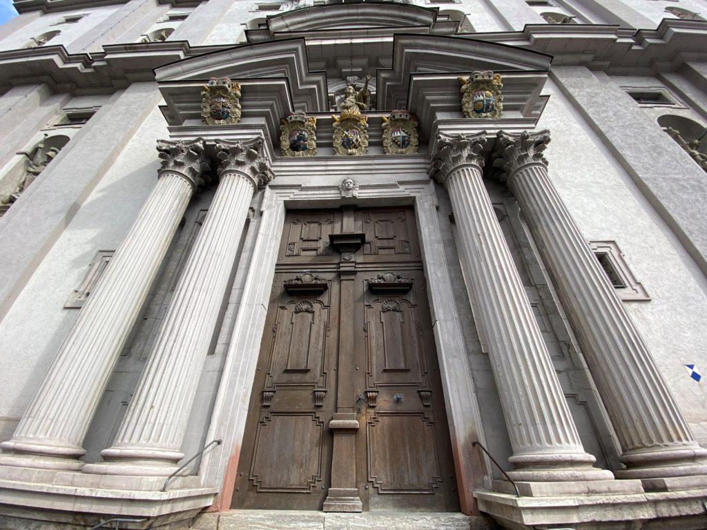 Stift Haug Eingangssäulen